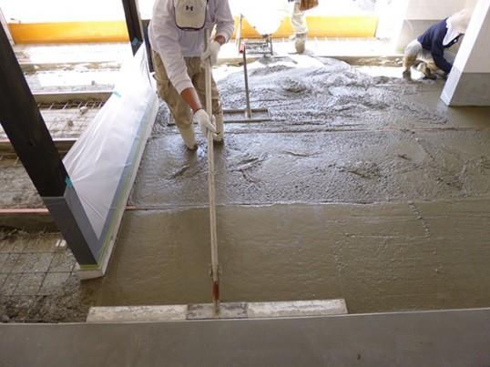 コンクリートの流し込み1