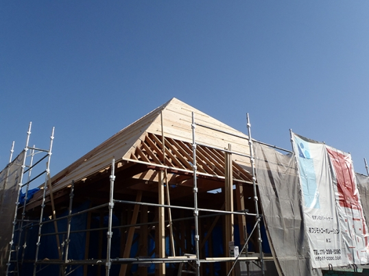 屋根の勾配角度が43.5312度1