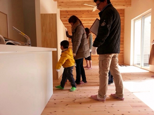 オープンハウス:「杉の壁を活かしたナチュラルモダンな家」が終了1