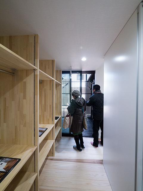 オープンハウス:「黒のガルバで覆われた片流れの家」を開催中!3