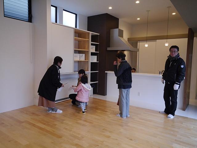 オープンハウス:「親世帯の北側の狭小空地を利用した子世帯住宅」1