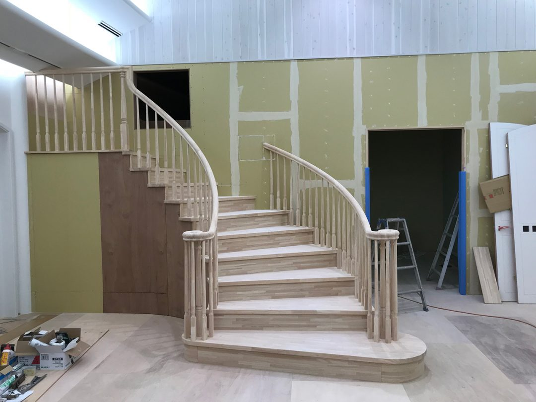 螺旋階段が完成1