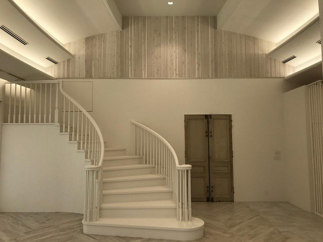 螺旋階段が完成2